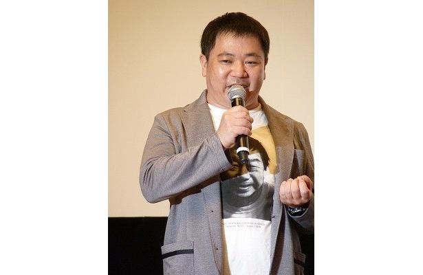 赤塚Tシャツは「水戸黄門の印籠のようだった」と話す佐藤英明監督