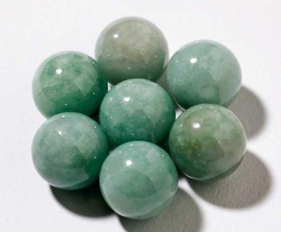 """縄文時代から勾玉として加工されてきたヒスイを使う""""宝石サウナ""""も♪"""