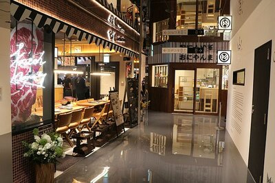 地下1階のメインレストランフロア「CHAOS KITCHEN」