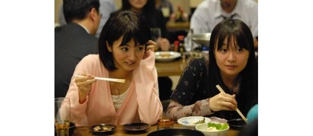 【写真】殺害されたOLの石橋佳乃役を演じたのは満島ひかり(左)