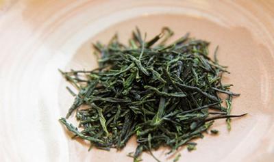 【写真を見る】上質な茶葉をふんだんに使用/福寿園 宇治茶工房「玉露亭」