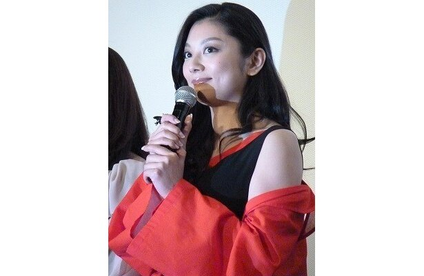 小池栄子は、井上を「戦友です」と称賛