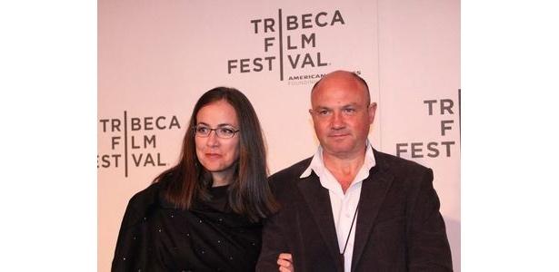 ピューリッツァー賞を受賞した元戦場カメラマンのクレイグ・マリノヴィッチ(右)