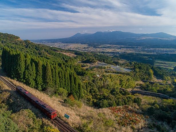 南九州の大自然を駆け抜ける特急「いさぶろう・しんぺい」