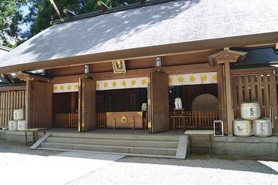 天照大神が隠れたという天岩戸がご神体の神社 / 天岩戸神社