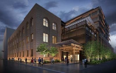 【写真を見る】地下鉄烏丸御池駅と直結し、アクセス抜群。新たな街のランドマークに/新風館