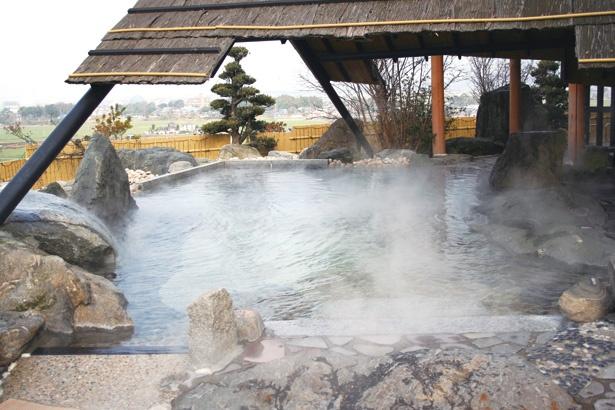 「ちくちゃん いちご園」近隣の温泉「カルナパーク 花立山温泉」。和・洋の豪華な湯でリフレッシュできる