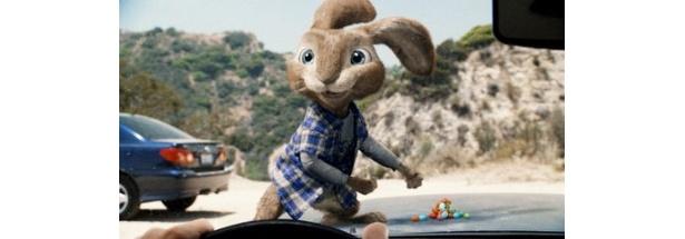 『イースターラビットのキャンディ工場』ではウサギのイービーの声を担当