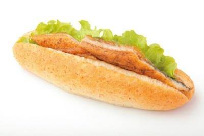 ウナギの蒲焼きが贅沢に入ったホットドッグ!? 東名高速道路「うなぎドッグ」(400円/浜名湖SA)