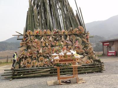【写真を見る】第23回どんど焼き /  1年の無病息災を祈る