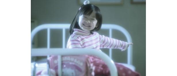【写真】小さな女優・芦田愛菜。本作以降の活躍はもはや述べる必要もないだろう