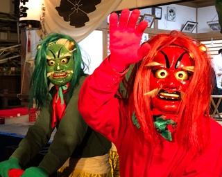 鬼に扮した吉字屋グループの社員が「甲府大神宮節分祭」を盛り上げる