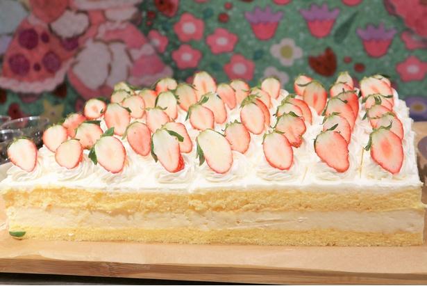 一口サイズがかわいらしい定番の「苺のショートケーキ」
