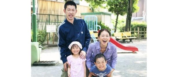 実生活でも夫婦だった小泉今日子と永瀬正敏が夫婦役として共演し、話題に