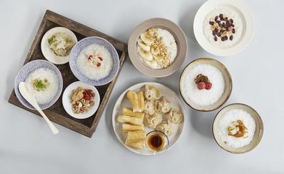 多彩な朝食メニューを提供する / LequOkinawa Chatan Spa & Resort
