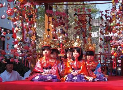 柳川雛祭りさげもんめぐり / おひな様始祭・行列