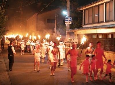 風浪宮大祭(おふろうさんまつり) / タイマツを持って男衆が勇壮に町をかける
