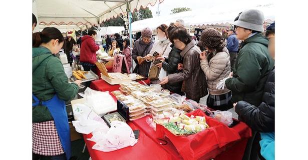 長崎街道大村藩宿場まつり / 大村市とその周辺の特産品や農水産物がそろう
