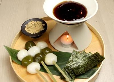 「白玉団子と茶団子のみたらしフォンデュ」(780円)