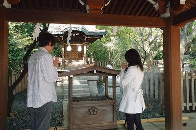 境内北側の菊水天満神社は学業成就で人気