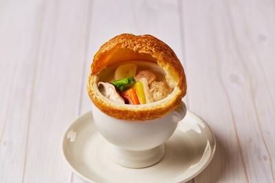 【写真】サクサク×トロトロ!食感のコントラストが楽しい、絶品パイ包みシチューが登場