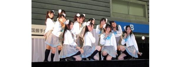 松井珠理奈ら白組は「卒業式のわすれもの」を歌い上げた
