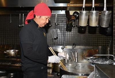「活龍」グループでの修業を経て2012年に独立した店主・浅野明仁さん