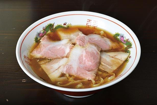 筑波山の澄んだ空気を感じながら手もみ麺の豊かな食感を味わう