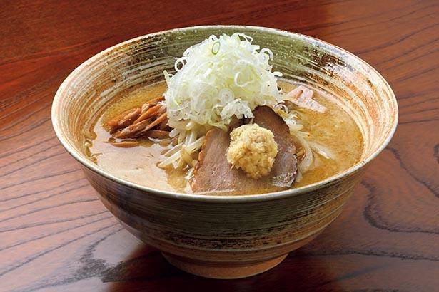 奥深くまろやかなスープにコシのある麺がベストマッチ