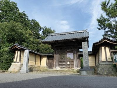 母、小牧の方の縁を頼りにここに来たそう / 福井県史跡 称念寺