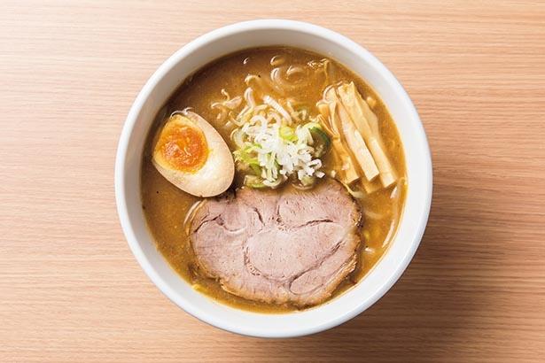 豚骨スープと塩分控えめの味噌ダレを合わせた「味噌ラーメン」