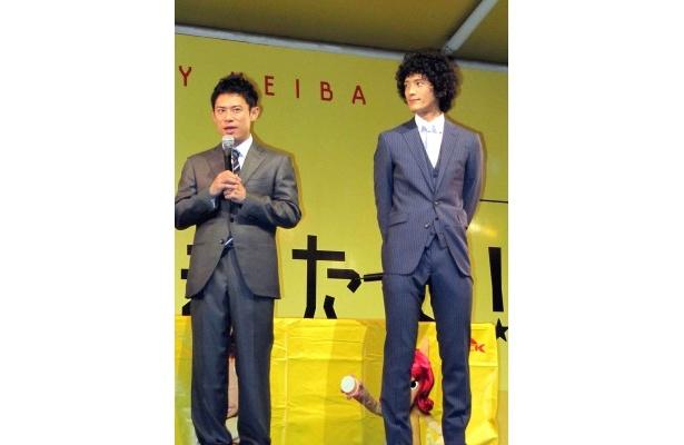 イベントに登場した伊藤淳史と渡部豪太