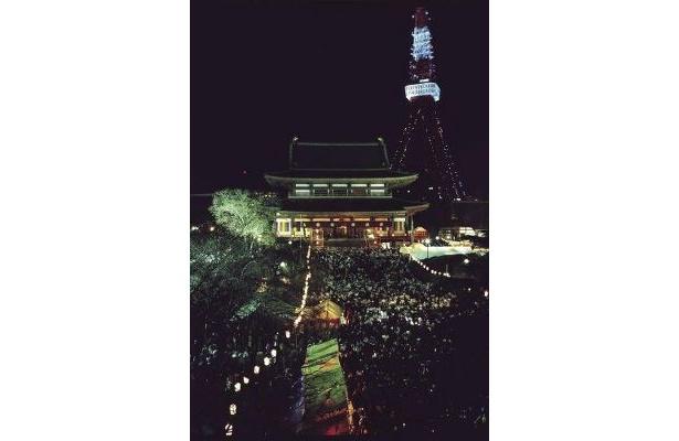 増上寺のカウントダウンイベント。東京タワーが目の前に!