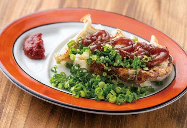 博多豚骨拉麺 一順 / 「ネギポン餃子」(5個400円・税込)。ジュレ状のポン酢、たっぷりのネギがかかる。さっぱりとした味わい