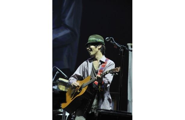 ツアー最終公演を東京・日本武道館で開催したくるりのボーカル岸田繁