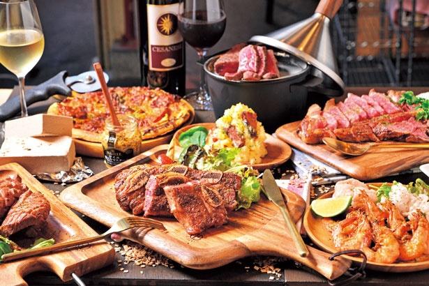 ステーキなどの肉料理はもちろん、小皿料理などちょい飲みにぴったりのメニューもそろう/肉GARAGE
