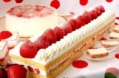 【写真】大きないちごののったショートケーキがズラリと連なる