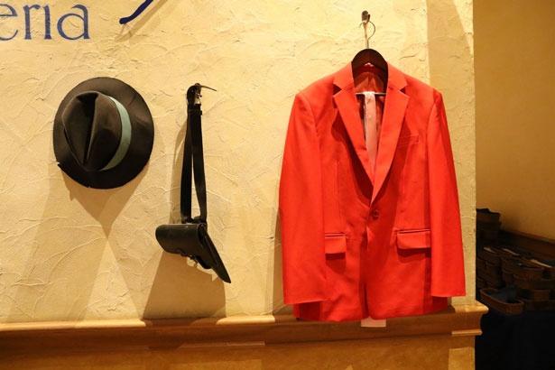 店内にはルパンのジャケットや次元のハットが