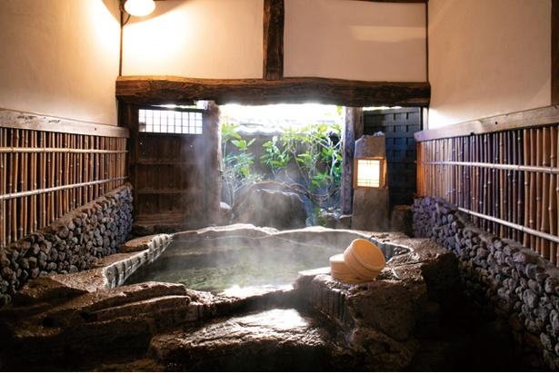 加水加温なしでかけ流す。広々した家族湯で、ほっとできる / 野田温泉