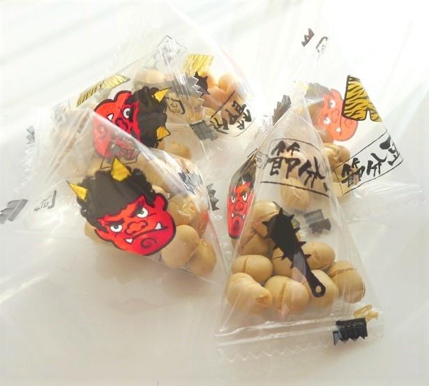袋の中は、12粒の煎り豆が入り。香ばしくてポリポリとした素朴な味わいです♪
