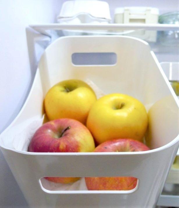 今はフルーツしか入っていませんが、すぐ食べるボックスにしているので、賞味期限が短い物でなどで、ケースが山盛りになることもあります