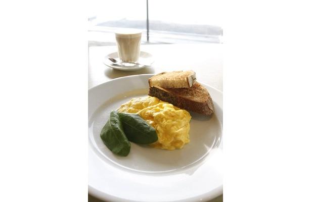 """""""世界一の朝食""""が食べられることで話題のレストラン「bills」の東京第1号店がお台場にオープン!"""