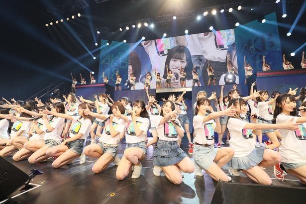 『AKB48 グループ 2020TDC ライブ祭り AKB48 単独コンサート〜15 年目の挑戦者〜』(C)AKS