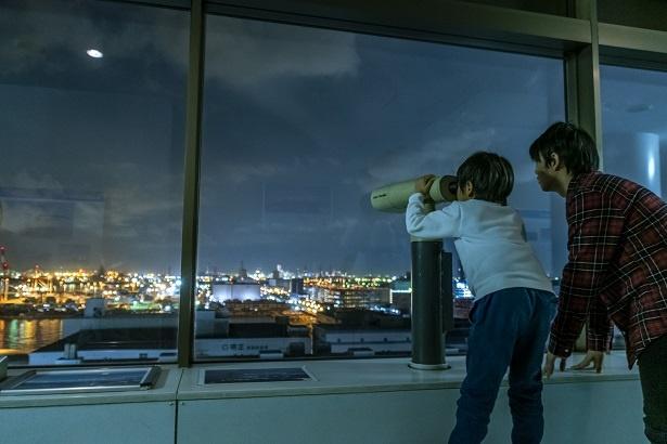設置されている望遠鏡は、非常にくっきりと遠方まで見渡せる