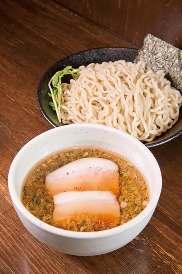 つけ汁には中華そばと同じものを使い、タレの濃さをスープで調整する「つけ麺」