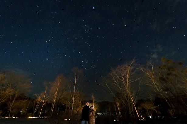 「わぁ、これは……想像以上だね」とふたりとも星空に見入る