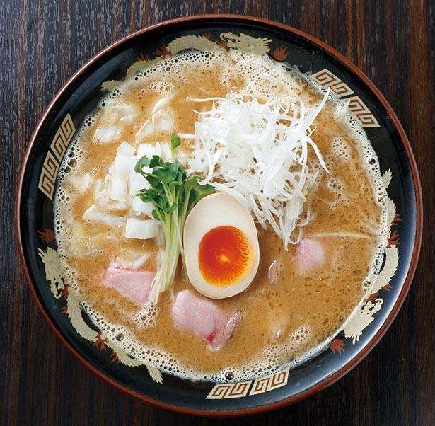 豚骨と複数の魚介を重ね炊きした無添加スープ