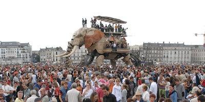 横浜・開国博Y150の目玉イベント「ラ・マシン」(写真は07年のフランス・ナント島の巨大な象作品)