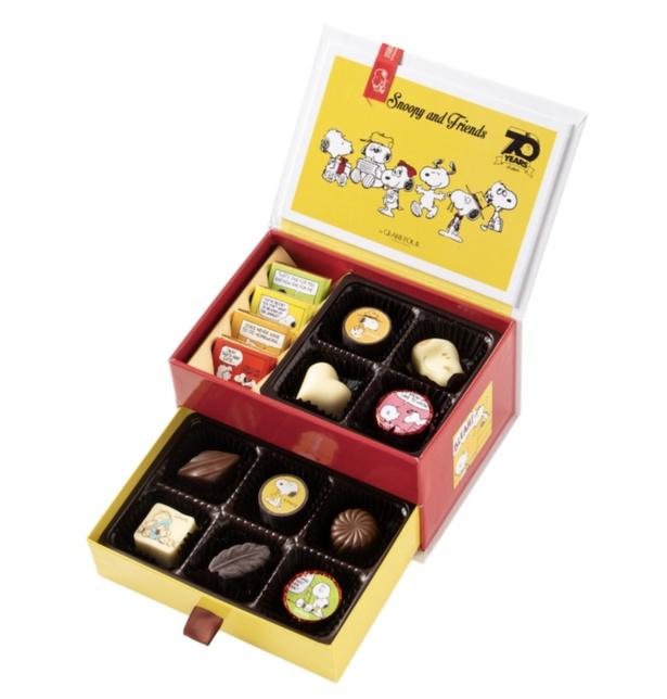 「スヌーピー PEANUTS チョコレート アソート2段ボックス」(2376円)