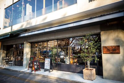 JR京都駅からも歩いて15分ほど/西洋酒樓 六堀